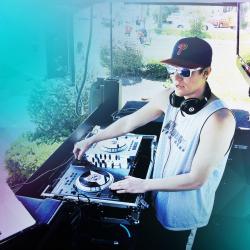 DJ Reills